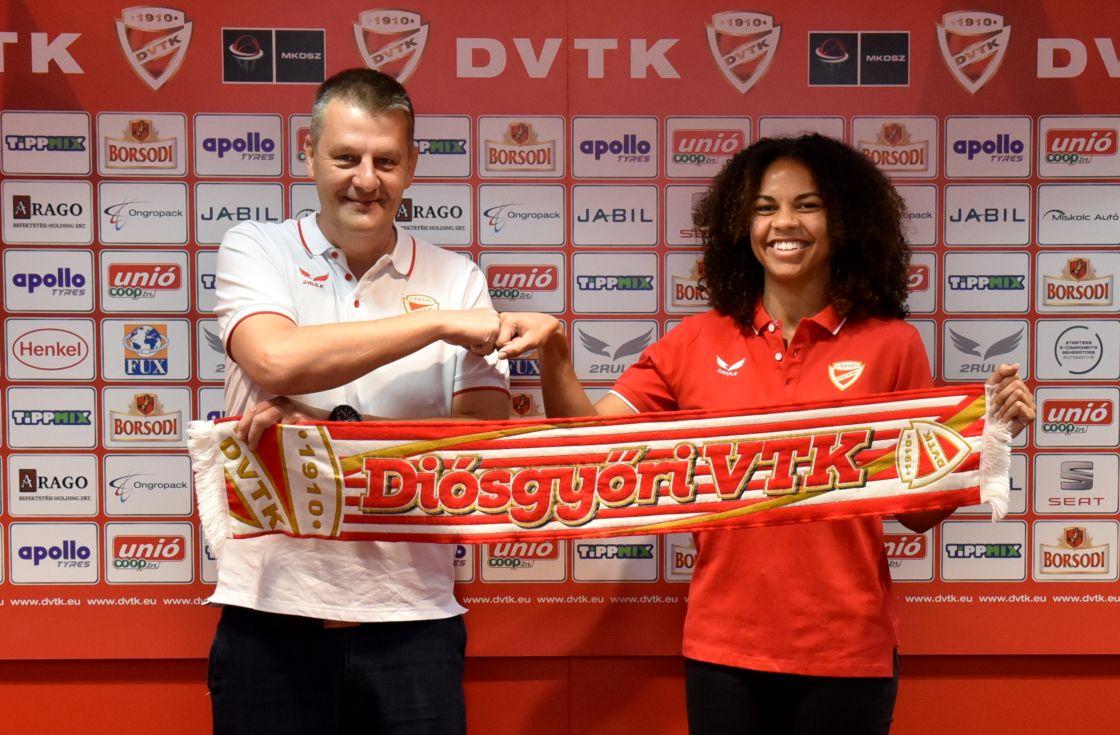 Aho Nina az Aluinvent DVTK játékosa